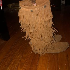 Tall fringe moccasin boots sz(9)